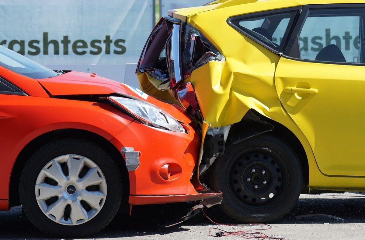 W większości wypadków polisa ubezpieczenia obejmuje wypłatę wynagrodzenia w wypadku…